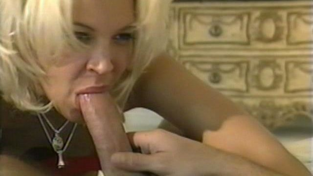Impossible To Resist Ash-blonde Call Girl Dru Berrymore Blowing And Railing A Hefty Cumbot At The Bed