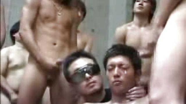 Gay Bukkake.  :d
