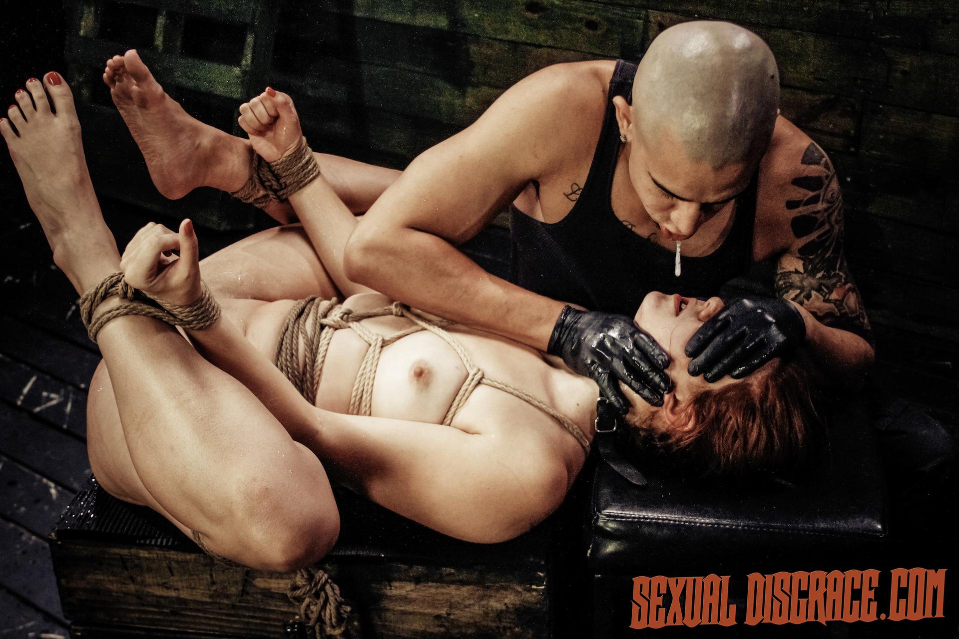 Rose Crimson Tyrell Suffers Strap Restrain Bondage, Fellate Bj, Raunchy Ass-fuck Lovemaking, Sybian Saddle, Splattering