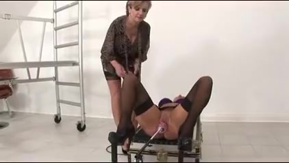 Dame Sonia – Mia Practices The Spread